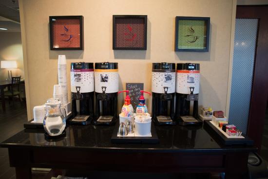 Hampton Inn Danville : Free coffee