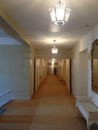 Eden Palace au Lac: холл на последнем этаже отеля