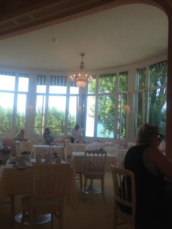 Eden Palace au Lac: ресторан