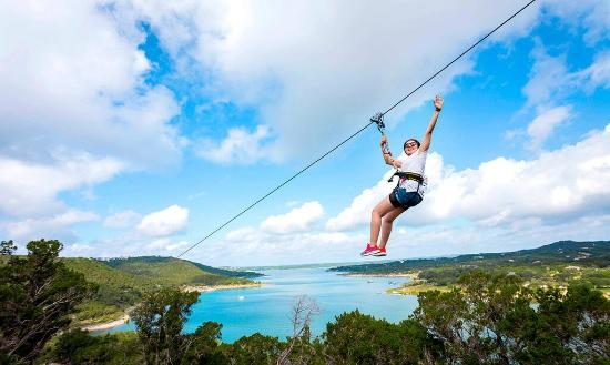Volente, Τέξας: Experience some of the most amazing views of Lake Travis from high above.
