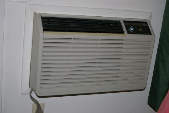 Travelodge Grants Pass: old ac unit (interior)