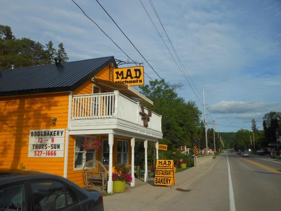 Wyebridge, Kanada: Outside Restaurant