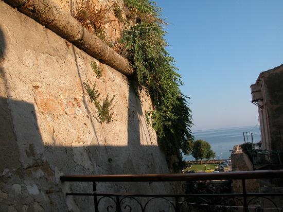 Casa Veneta: Terrazzino nelle mura dell'antico porto di Chania