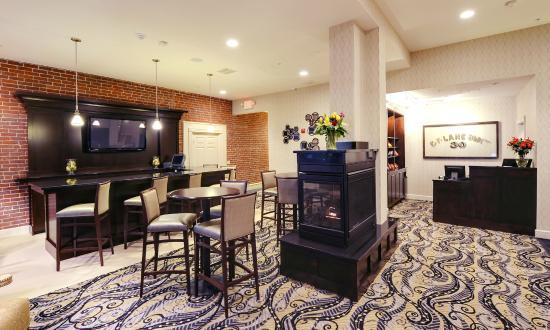 Fairfield Inn & Suites Keene Downtown: Lobby Area