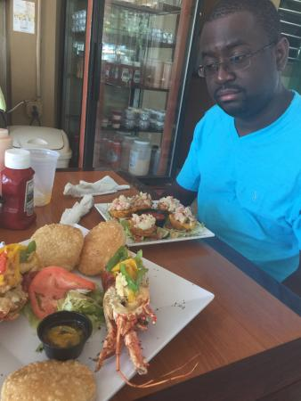 Costa Mia: The best food ever, every year I come here to enjoy the seafood