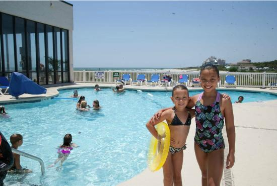 Sands Beach Club Resort: Outdoor/Indoor pool