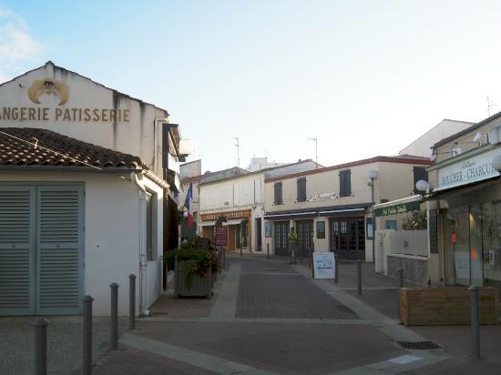 Rue de fouras photo de fouras charente maritime for Fouras hotel