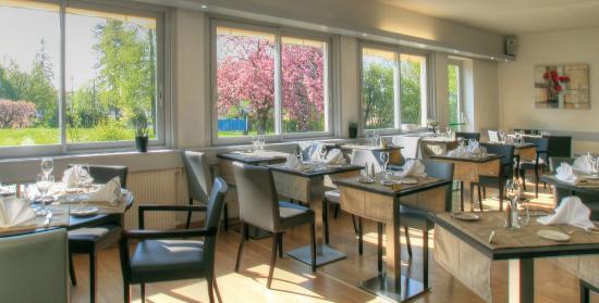 Logis Beau Site : Salle de restaurant