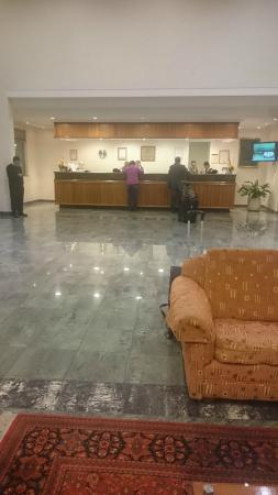 Hotel Diego de Almagro Aeropuerto : Front Desk