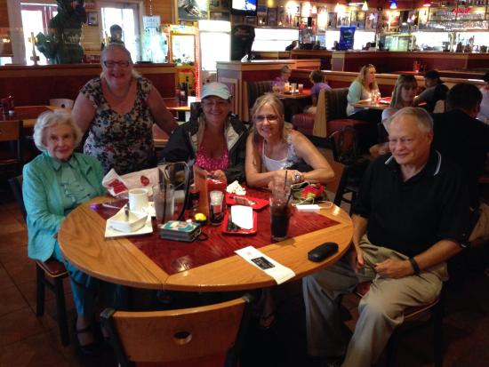 Red Robin Gourmet Burgers: The birthday dinner