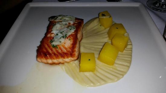 Fleurie Restaurant: Salmon