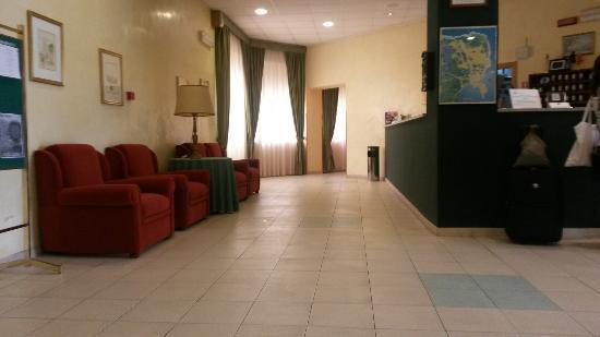 Pessimo foto di hotel del santuario siracusa for Hotel del santuario siracusa