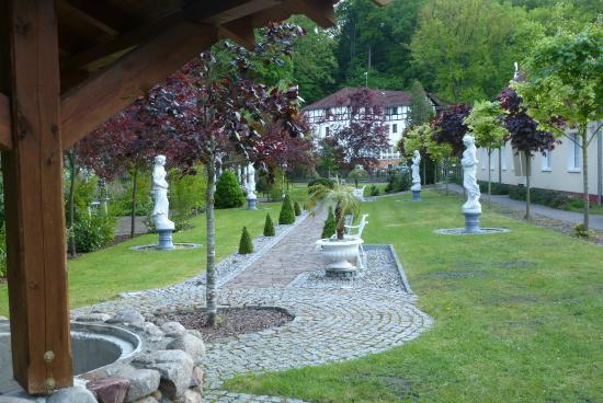 Blick vom Hochzeitspark auf das Seeschloss