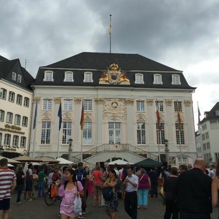 Hotel Deutsches Haus : Stadhuis van Bonn