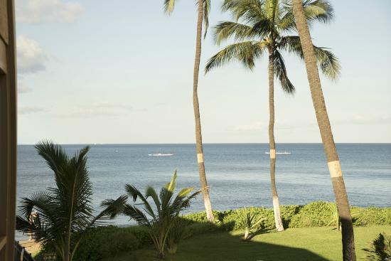 Kihei Sands Beachfront Condominiums: View from our Lanai