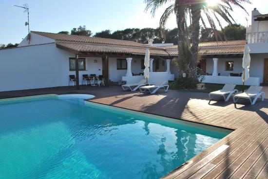 Es Pas Formentera Agriturismo : Vista de la piscina