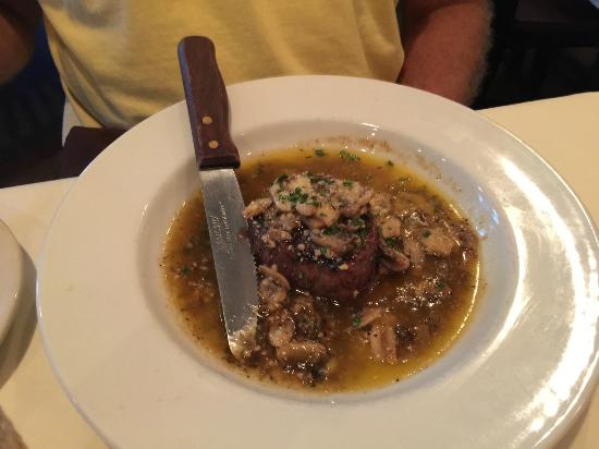 Piccolo's Italian Steak House: Filet Mignon Marsala