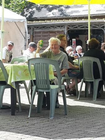 Restaurantes em Saint-Martin-d'Aubigny com culinária Vegetariana