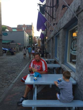 Beals Old Fashioned Ice Cream: Family friendly seating.