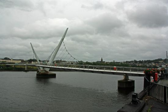 The River Foyle : View of peace bridge on river