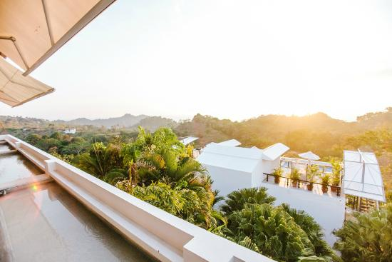 Gaia Hotel & Reserve: View La Luna Restaurant