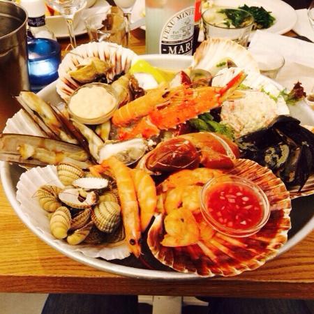 Plateau seafood foto van the seafood bar amsterdam for Seafood bar van baerlestraat