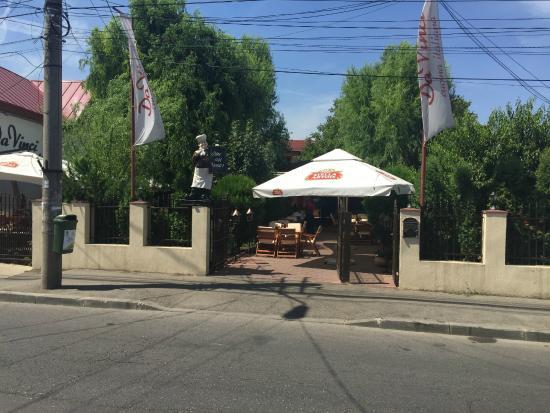 Restaurant DaVinci: Front view - main entry