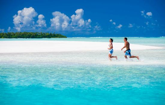 Cook Islands: Seclusion Seeker's Getaway - Aitutaki