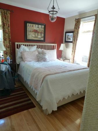 Colby House Bed & Breakfast: bedroom