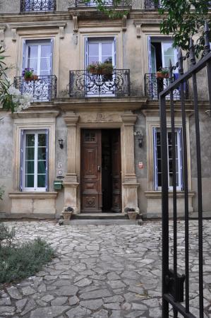 Maison Eloi Merle : front entrance