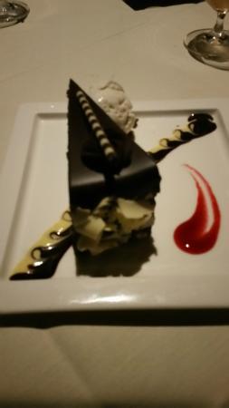 Che-Ah-Chi Restaurant at Enchantment Resort : Chocolate Torte at Che-Ah-Chi