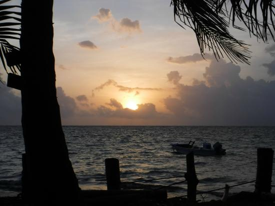 Little Corn Beach and Bungalow: sunrise