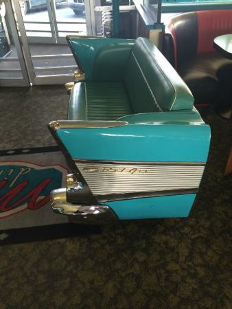 Mel's Diner: Bench installed in '57 Chevy rear end