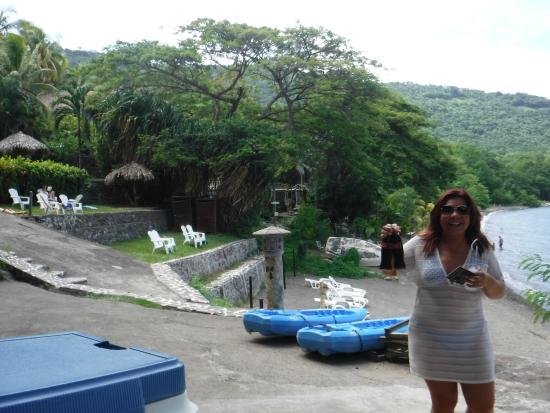 The Monkey Hut: Water edge