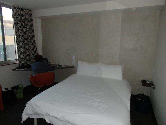 Arts Hotel : Bed was comfortable and clean