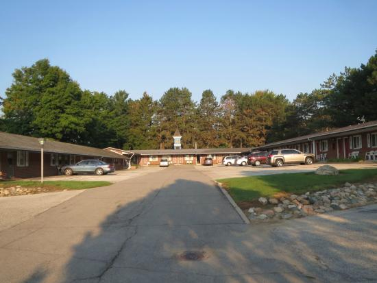 Frankenmuth Motel: Overview of the main part of the motel