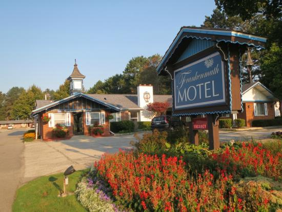 Frankenmuth Motel: View of the motel from Weiss Street