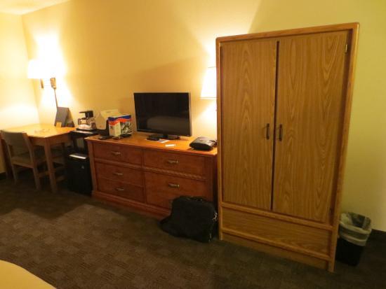 AmericInn Lodge & Suites Rexburg - BYU: Room Furnishings