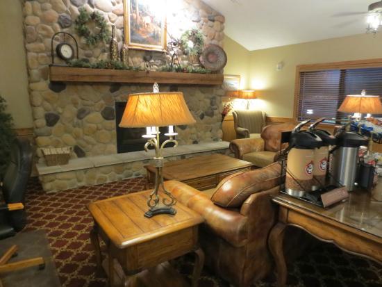 AmericInn Lodge & Suites Rexburg - BYU: Lobby