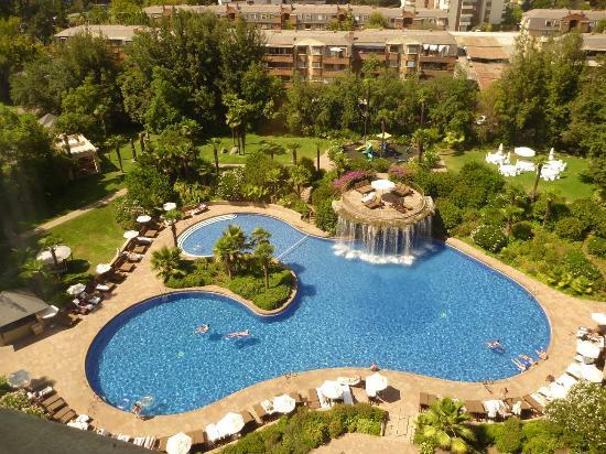 Foto de hotel santiago santiago vista piscina tripadvisor for Piscina hotel w santiago