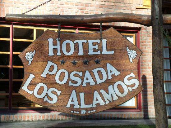 Posada Los Alamos: Cartel