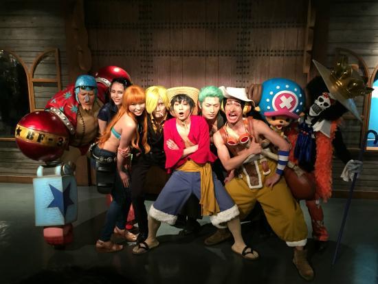 เหล่านักแสดงในส่วนของ Live Show ครับ - Photo de Tokyo One Piece Tower, Minato...