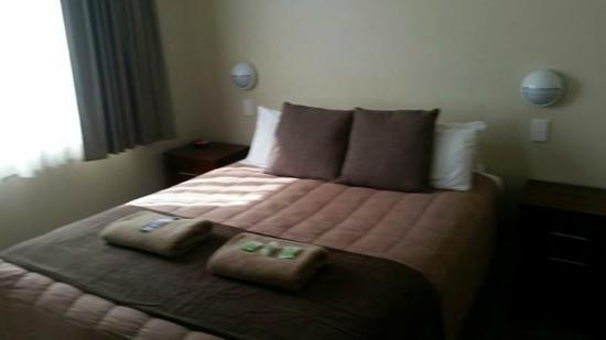 BIG4 Atherton Woodlands Tourist Park: Master Bedroom