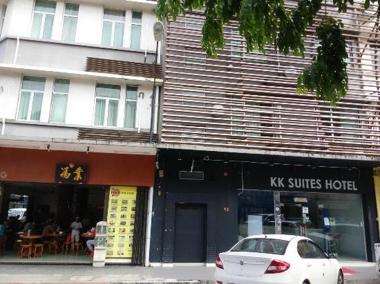 KK Suites Hotel: Exterior