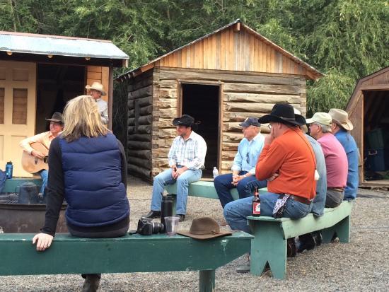 Vee Bar Guest Ranch: photo1.jpg