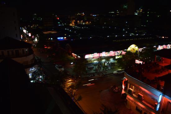 Flamingos Hotel: Ночная жизнь близ отеля