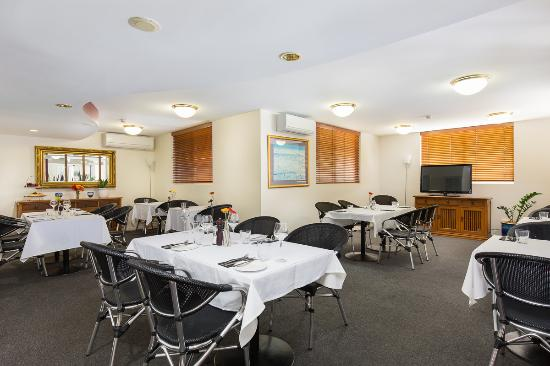 Wellington Apartment Hotel: Enjoy a scumptious meal in our Restaurant Boots