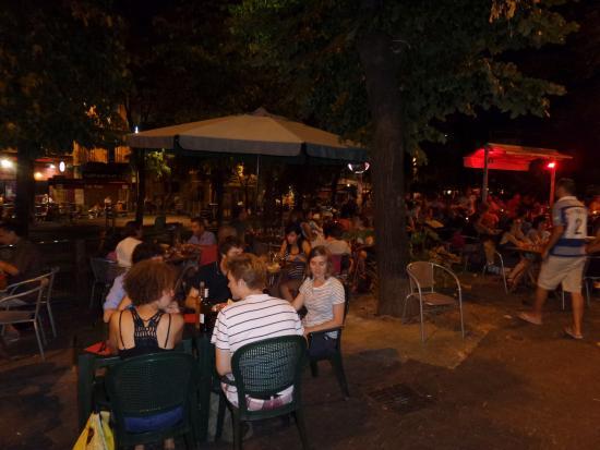 Le Resto Provençal : Летняя терраса