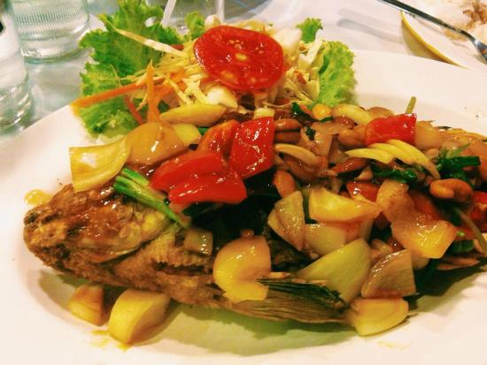 Hua Hin Seafood : fish with thai vegetable