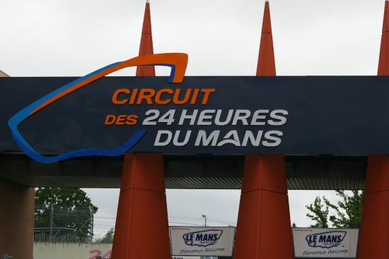 l 39 entr e photo de circuit des 24 heures le mans tripadvisor. Black Bedroom Furniture Sets. Home Design Ideas